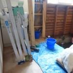 タイル浴室の解体が始まりました全て手作業での工事です職人さんの耐力工事です